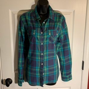 American Eagle favorite fit button down shirt